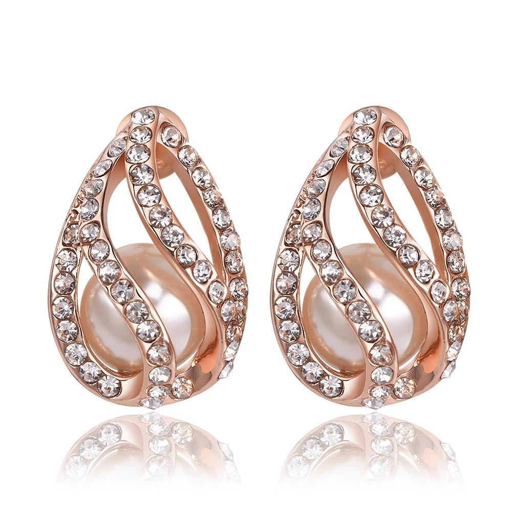 fashion rose-gold-plated-diamond-stud earrings