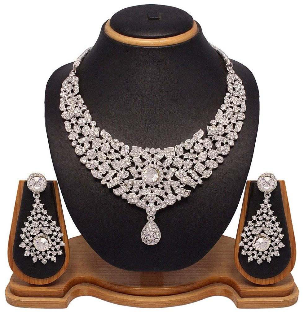 white-silver-necklace-set