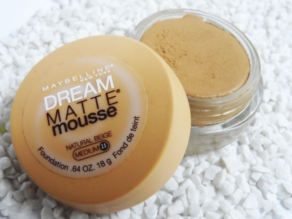 Maybelline Dream Matte Mousse de base